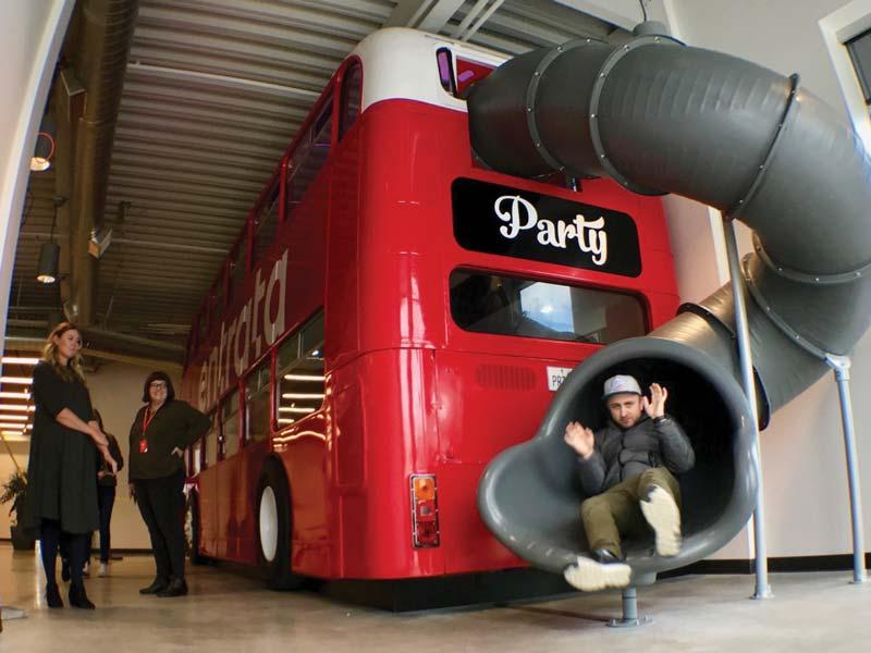 Entrata Bus