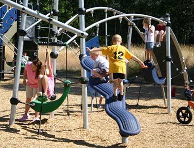 Deckless Playground