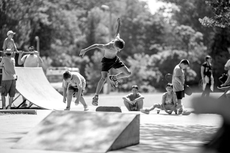 Kids on Skatepark