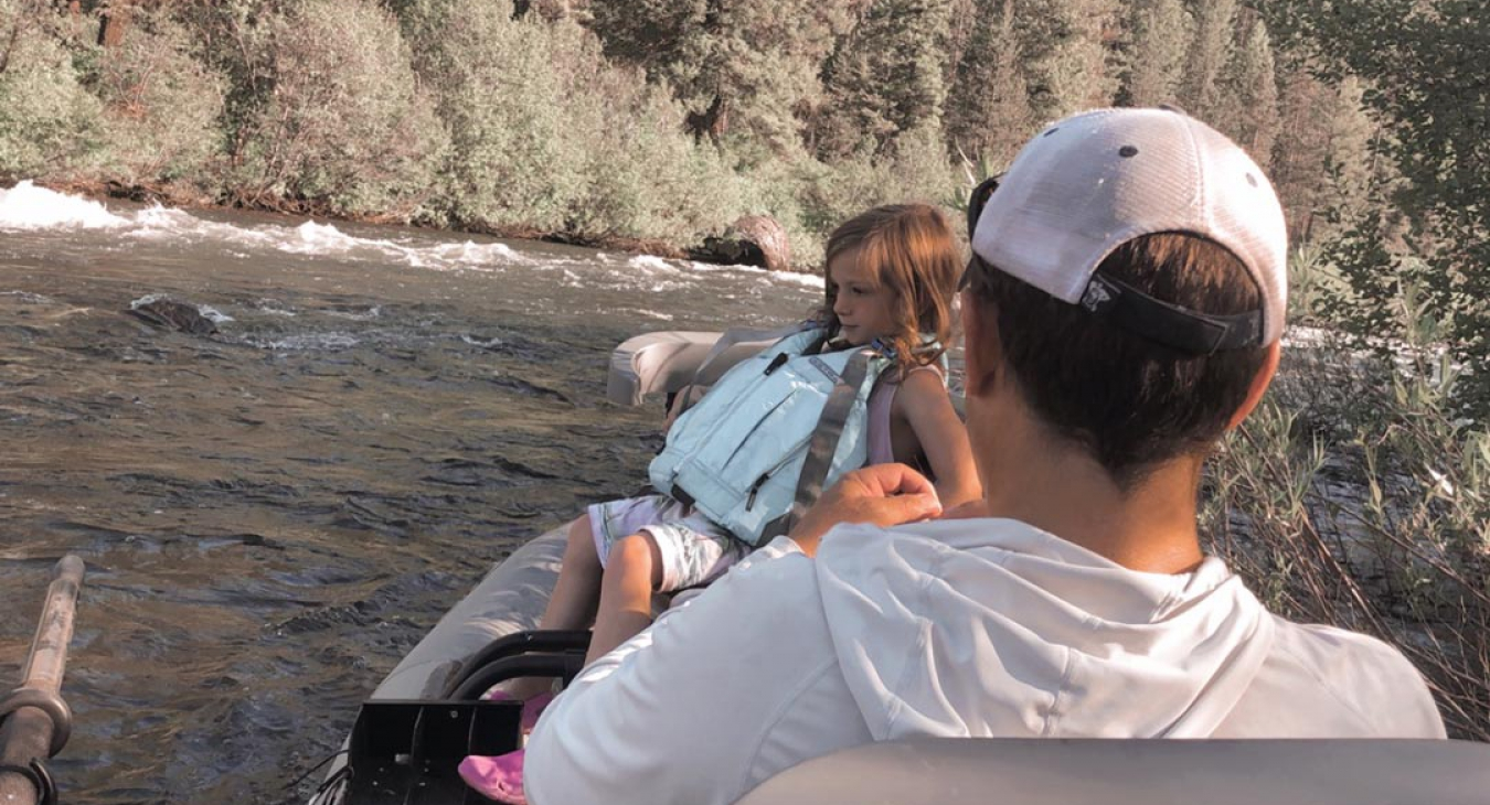 5 Must-Have Things When Boating with Kids