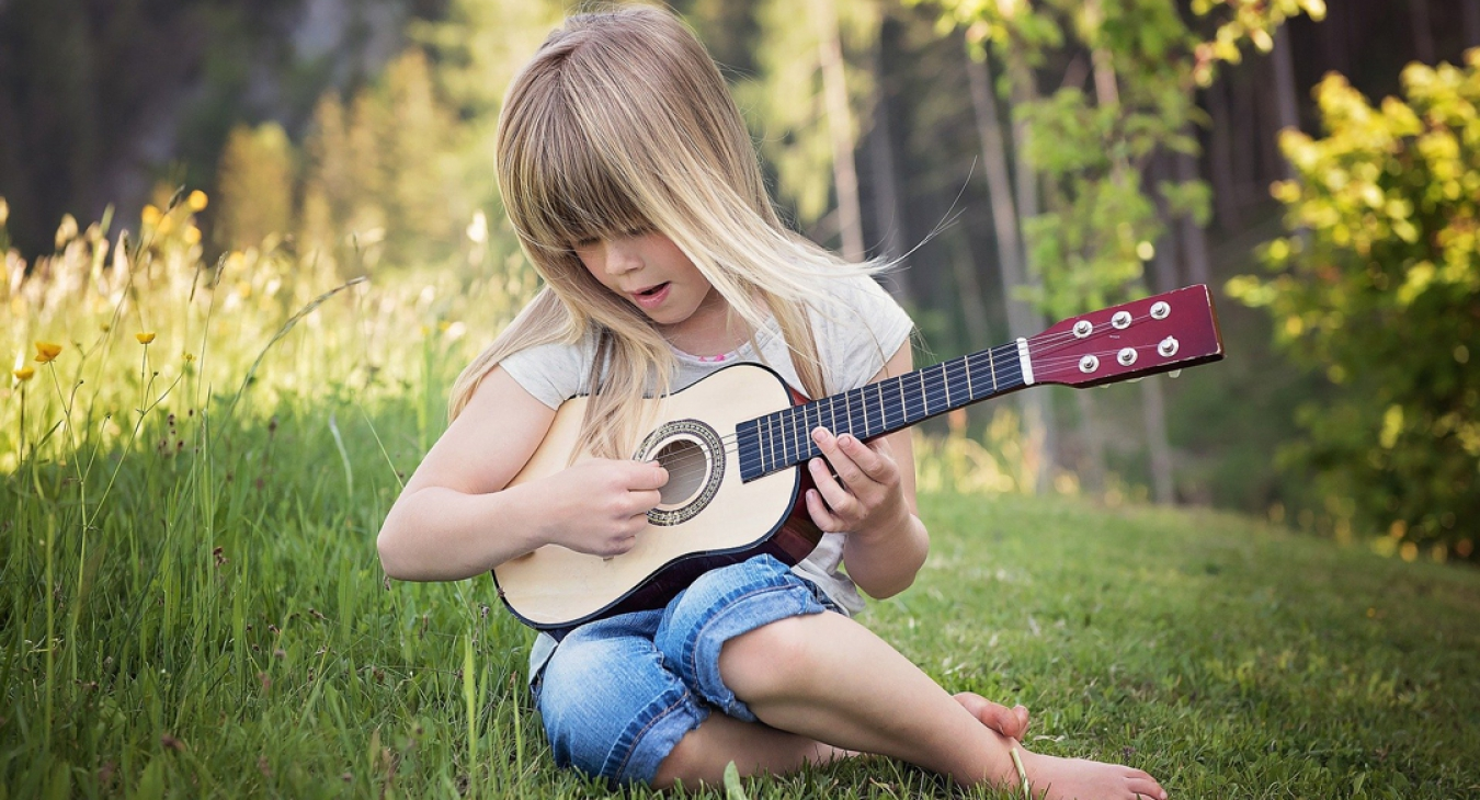 5 Remarkable Benefits of Music for Children