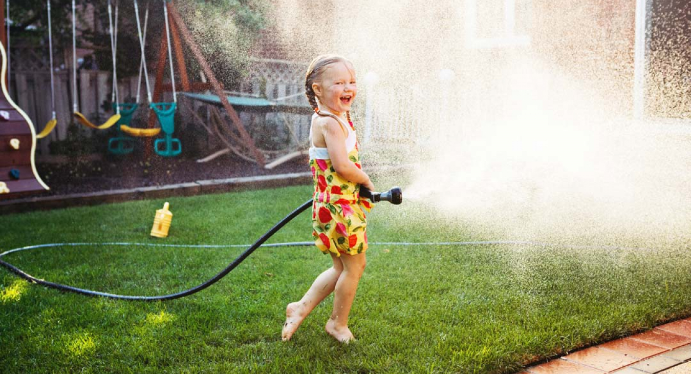 What Kind of Backyard Can Give Happiness to Your Children?