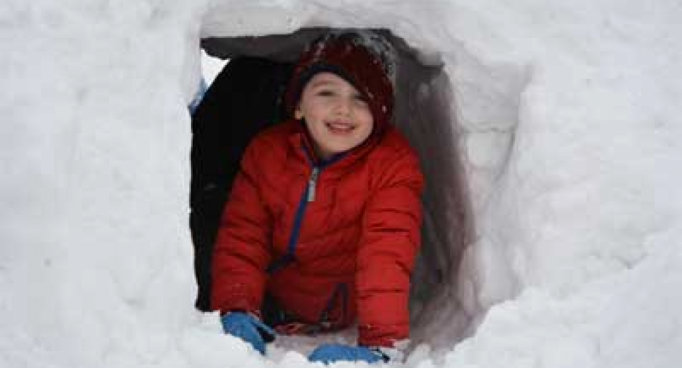 Snow tunnel at Fire and Ice Event