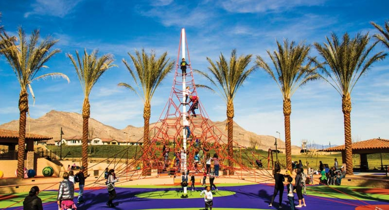 Giant rope climber
