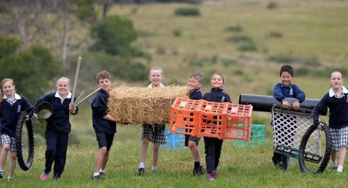 Hay bales and milk crates better for creative play then conventional school playgrounds